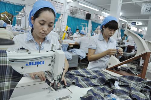Anysew.vn_Sau TPP: Sản xuất quần áo, giày dép từ A đến Z